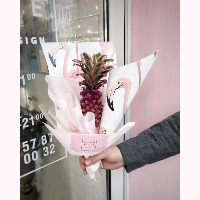 Розовый ананас