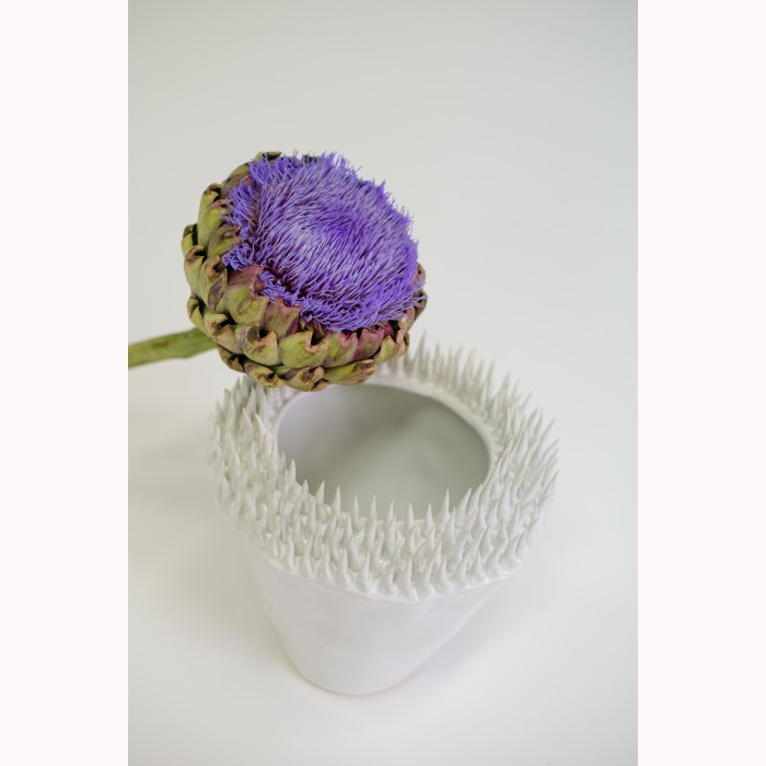 Ceramic spiky edge pot white h21cm